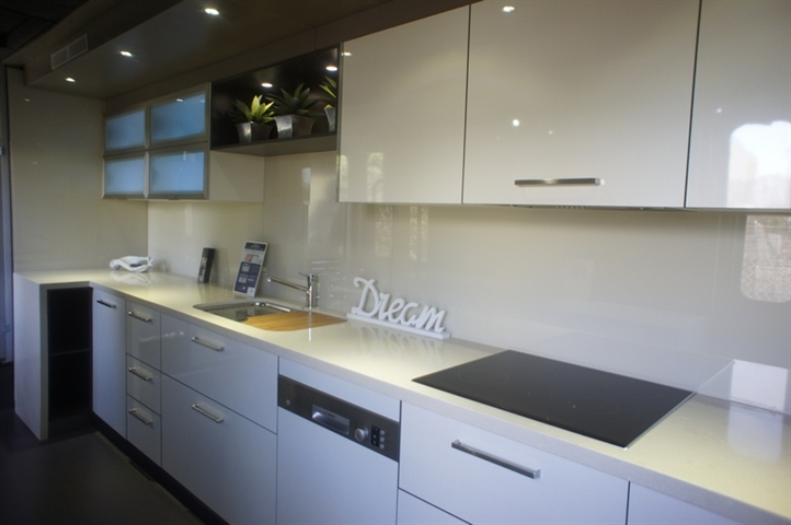 All-About-Kitchens-Mobile-2011-02.JPG